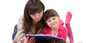 foto-membaca-buku-bersama-bikin-anak-lebih-cerdas